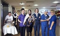 """Bệnh viện """"5 sao"""": Có gì trong nơi giới siêu giàu chi tiền tỷ để đón con?"""