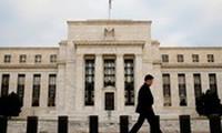 Nâng lãi suất, Fed đang chơi với lửa
