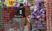 Từ các nhà máy Trung Quốc đến giỏ hàng của bạn, thế giới chào đón một đợt tăng giá mới