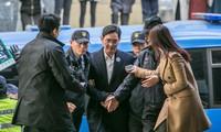 Ngủ dưới đất, ăn cơm 28.000 đ, Thái tử Samsung vẫn đang điều hành tập đoàn?