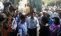 Chủ cửa hàng tạp hóa ở Hà Nội kiên quyết không trả vỉa hè