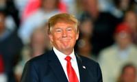 """Sự """"lột xác"""" bất ngờ của Tổng thống Trump"""