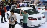 Sức mua ôtô chững lại nghe ngóng?