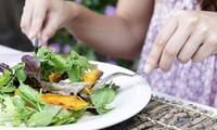 Mỗi ngày ăn bao nhiêu rau quả để đủ vitamin?