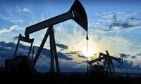 Giá dầu chốt tuần tăng lần đầu trong 3 tuần