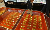Market Watch: Muốn làm giàu năm 2017, hãy mua vàng