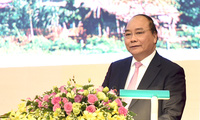 Thủ tướng chứng kiến lễ trao và ký hơn 23.000 tỷ đồng đầu tư vào Tuyên Quang