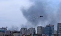 Hà Nội: Cháy lớn tại xưởng nhựa rộng 300m2, người dân xung quanh náo loạn