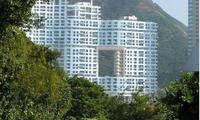 Bí ẩn đằng sau những tòa cao ốc có lỗ thủng ở giữa tại Hồng Kông