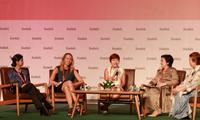 """Tổng lãnh sự Mỹ tại TPHCM: """"Phụ nữ làm lãnh đạo, không những phải giỏi, cứng rắn, mà còn phải dễ thương"""""""
