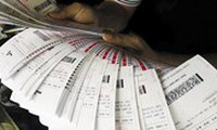 Xổ số truyền thống 'nổi điên' vì vé Vietlott in sẵn bán tràn lan