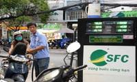 Xăng dầu đã lãi nhưng giá vẫn không giảm