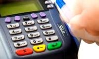 Nhiều cửa hàng ngang nhiên thu phí của khách hàng dùng thẻ