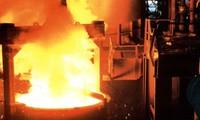 Trung Quốc: Phá hủy 19 lò luyện thép để giảm thiểu ô nhiễm