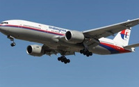 Bắt hai người đã rút tiền từ bốn tài khoản của hành khách MH370