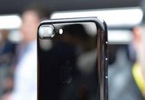 iPhone 7 Plus Jet Black khan hàng, giá có thể lên tới 60 triệu đồng