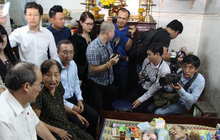 Bí thư Thành ủy Nguyễn Thiện Nhân thăm người dân tái định cư Thủ Thiêm