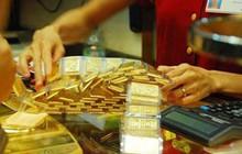 Giá vàng miếng giảm nhẹ, tiếp tục duy trì khoảng cách trên 2 triệu đồng/lượng so với thế giới
