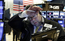 Chứng khoán Mỹ chứng kiến tình trạng bán tháo dữ dội, Dow Jones mất hơn 600 điểm