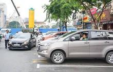 Thất thoát tiền tỷ phí đỗ xe: Tiền vào túi ai?