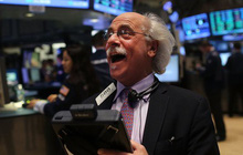 Giới đầu tư lạc quan về những tiến triển trong thương mại giữa Mỹ và Trung Quốc, Dow Jones tăng hơn 150 điểm
