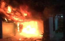 Ngôi nhà không có người ở bùng cháy dữ dội mùng 5 Tết