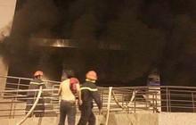 """Lời kể vụ cháy chung cư Carina làm 13 người chết: """"Tôi nhảy từ mái hiên lầu 1 xuống đất, may mắn sống sót"""""""