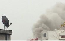 Đang cháy lớn tại quán kakaoke lớn nhất Hà Tĩnh, nhiều người mắc kẹt