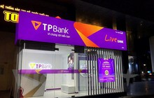 Chào sàn HoSE hôm nay, cổ phiếu TPB đi ngược thị trường