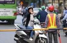 Chặn 1 chiều trên đường Cát Linh, nhiều người bỡ ngỡ, giao thông ùn tắc giờ cao điểm