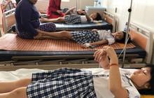 Sau khi uống trà sữa, hàng chục học sinh nhập viện cấp cứu