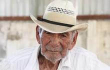 """Ông lão 121 tuổi vẫn cảm thấy mình khỏe như U80: """"Làm việc chính là chìa khóa để sống lâu"""""""