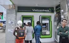 Cơ quan bảo vệ người tiêu dùng lên tiếng về việc các ngân hàng tăng phí rút tiền ATM