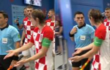 Modric chặn trọng tài, chất vấn 2 bàn thua oan của Croatia