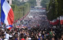 Tuyển Pháp mang cúp vàng trở về, 500.000 fan xuống đường chào đón như ngày hội
