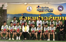 Đội bóng Thái Lan họp báo chính thức, trả lời câu hỏi tại sao lại vào hang Tham Luang