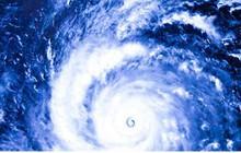 """Đường đi """"kỳ dị"""" của bão số 4"""