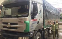 Hà Tĩnh: Bắt giữ xe tải chở 400 chai rượu ngoại nhập lậu