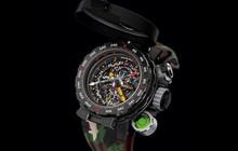 """Đây là chiếc đồng hồ """"nồi đồng cối đá"""" có giá triệu đô được chính ngôi sao hành động Sylvester Stallone thiết kế"""
