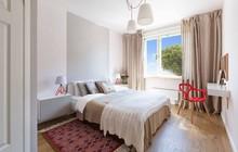 Căn hộ 2 phòng ngủ được bố trí nội thất tiện nghi, sang trọng dành cho những gia đình trẻ