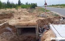 Cận cảnh xói lở kinh hoàng tại tuyến đường 1.440 tỷ đồng ở Quảng Nam