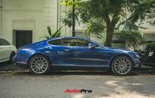 Bentley Continental GT Speed màu xanh hàng hiếm trên đường phố Hà Nội