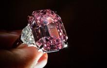 Viên kim cương hồng được bán giá kỷ lục 50 triệu USD