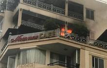 Cháy khách sạn trên phố cổ Hà Nội, du khách hoảng loạn tháo chạy