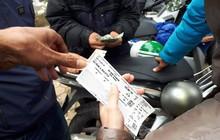 """Vé trận chung kết AFF Cup tại """"chợ đen"""" bị hét lên đến 15 triệu đồng/cặp"""