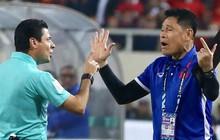 Trọng tài đẳng cấp World Cup gây bức xúc vì liên tục rút thẻ vàng cho cầu thủ Việt Nam