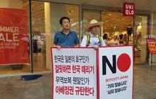Thế khó của người tiêu dùng Hàn Quốc giữa 'cơn bão' thương chiến: Đặt vé máy bay sang Nhật Bản để mua sắm, lén lút vào cửa hàng đồ Nhật vì sợ bị chỉ trích