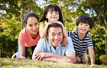 """Không phải sự bao bọc, """"lót đường sẵn"""", đây mới là 8 điều tốt nhất cha mẹ nên làm cho tương lai của trẻ"""