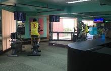 Ý chí ngùn ngụt của U22 Việt Nam trước trận chung kết SEA Games lịch sử: Hùng Dũng miệt mài rèn thể lực một mình trong phòng gym