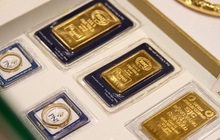 USD ngân hàng và tự do cùng xuống giá mạnh, vàng đảo chiều đi lên
